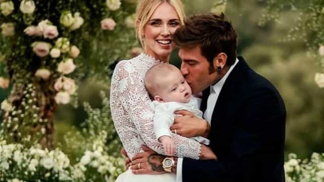 Chiara Ferragni diverte fãs com foto do filho a fazer gesto obsceno