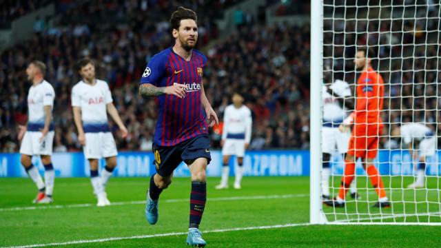 Messi brilhou em Londres num jogo com seis golos