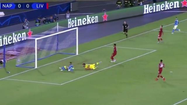 Foi com este golo ao cair do pano que o Nápoles venceu o Liverpool