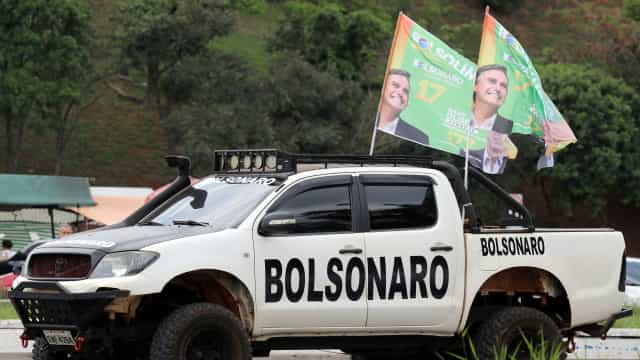 """Brasil: """"80% da comunidade portuguesa vai votar em Bolsonaro"""""""