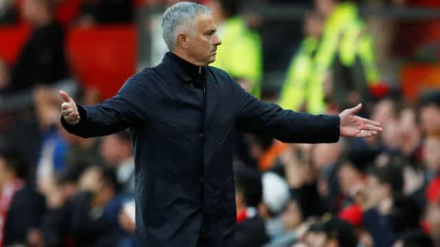 UEFA multa Manchester United e deixa aviso a José Mourinho