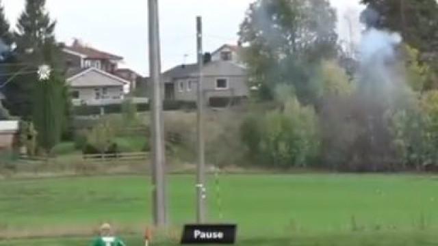 Insólito: Um corte eletrizante no terceiro escalão do futebol norueguês