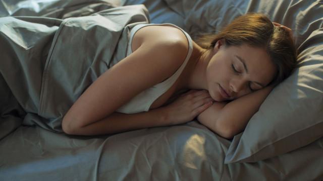 É oficial: Dormir é o segredo para emagrecer. Entenda porquê