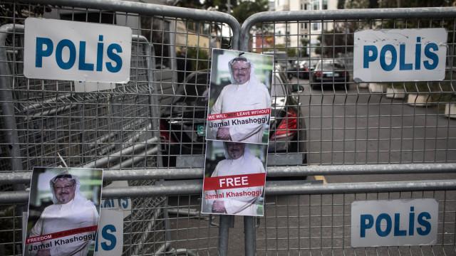 Jornal turco publica fotografias dos alegados assassinos de Khashoggi