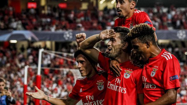 Benfica renova com 'comandante' Pizzi