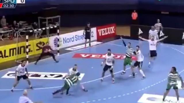 Novo golo insólito do sportinguista Ruesga já está a correr mundo