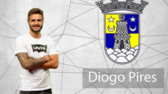 Médio do Sintrense assina dois 'candidatos' ao Puskás... no mesmo jogo