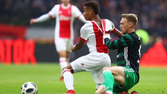 Ajax, PSV e Feyenoord pretendem medida nunca antes vista