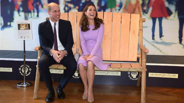 Após serem pais, William e Kate Middleton juntos no primeiro evento