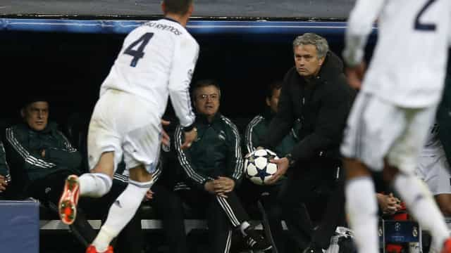Real Madrid equaciona regresso de Mourinho