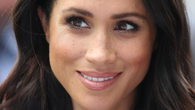 Meghan Markle no casamento da princesa Eugenie: Eis o look da duquesa