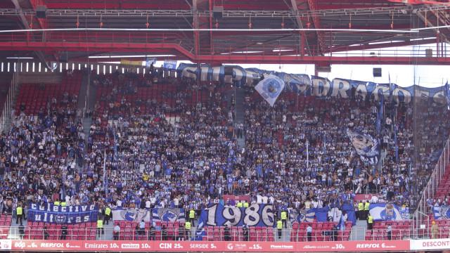 FC Porto apresenta queixa após revistas no Estádio da Luz
