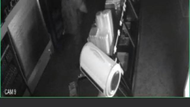 Restaurante oferece dinheiro e comida a quem ajudar a descobrir ladrão