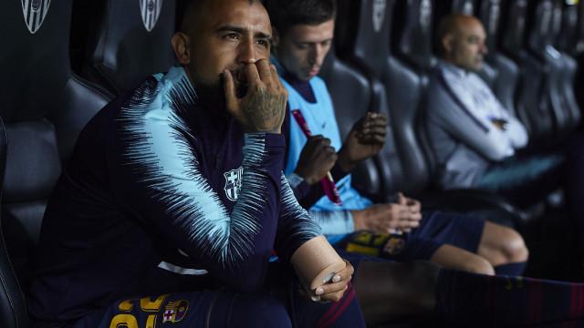 Acusado de falta de respeito, Vidal responde ao Barça na seleção