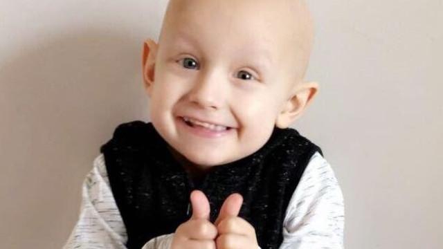 Pais pedem ajuda para salvar filho que só tem 336 horas de vida