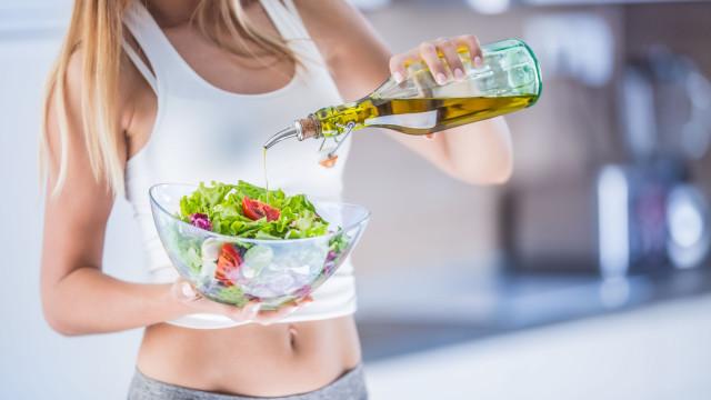 Quer emagrecer? Elimine estes 10 condimentos e molhos da sua dieta