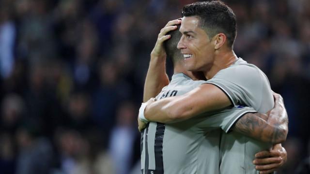 """Cancelo deixa elogios a Ronaldo: """"É um exemplo para qualquer jovem"""""""