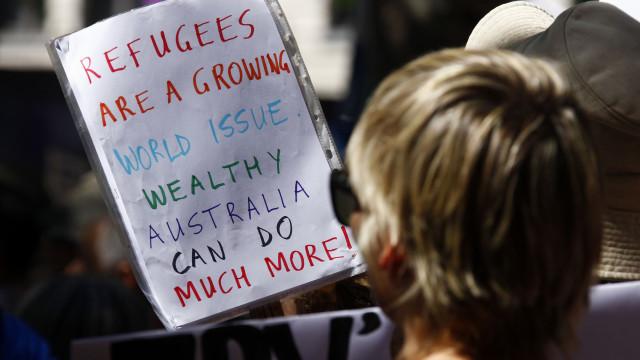 """Migrações: ONU pede à Austrália para evitar """"novas tragédias"""""""