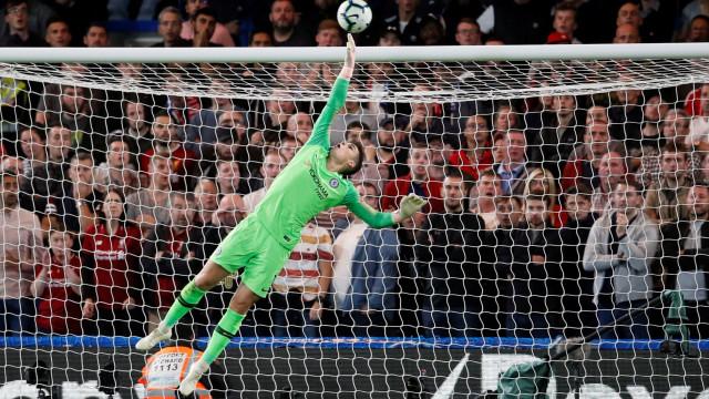 Golo do mês na Premier League é um hino aos remates de longa distância