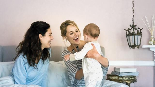 Filhos biológicos de pais do mesmo sexo? Já se coloca a hipótese