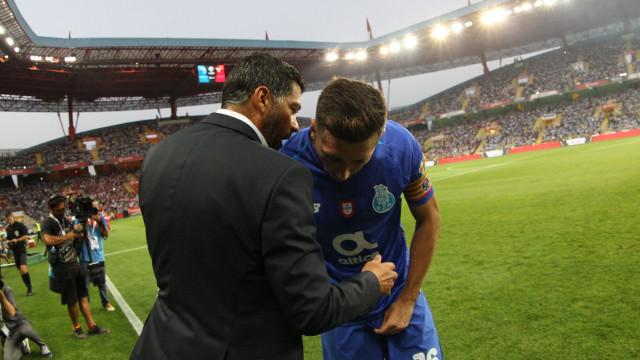 Pinto da Costa fez tremer Herrera, mas Conceição não o deixa cair