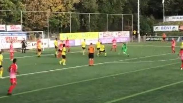 Guarda-redes marca 'à Ronaldo', no minuto 94 e dá pontos à sua equipa