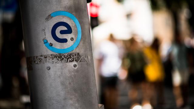 EMEL cria mais zonas (e mais caras) mas vai oferecer 1.º dístico