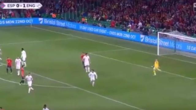 Inglaterra a 'esmagar': De Pickford ao golo... com apenas dois passes