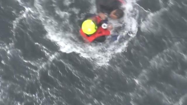 As imagens do resgate de pescador do 'Mestre Silva'
