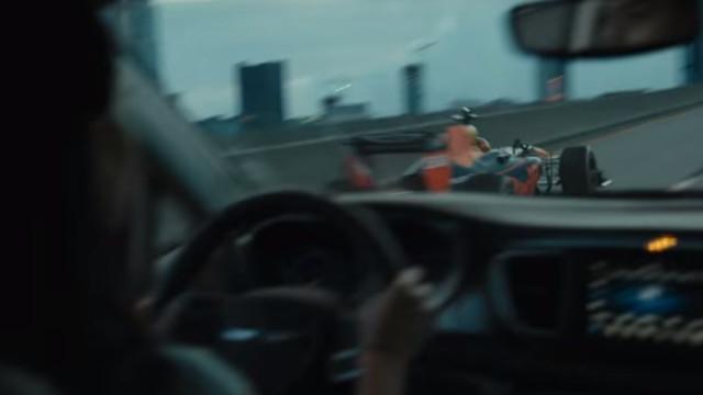 Um Fórmula 1 na estrada? Sim, aconteceu mesmo