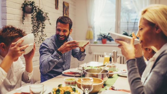 Estudo revela que hábitos alimentares dos pais influencia o dos filhos