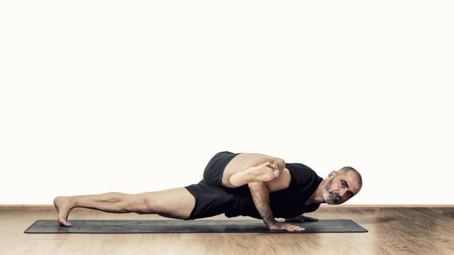 Se tem o sonho de seguir a carreira de professor de Yoga, veja este curso