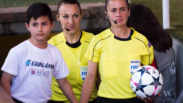Sandra Bastos vai ser a primeira árbitra portuguesa num Mundial