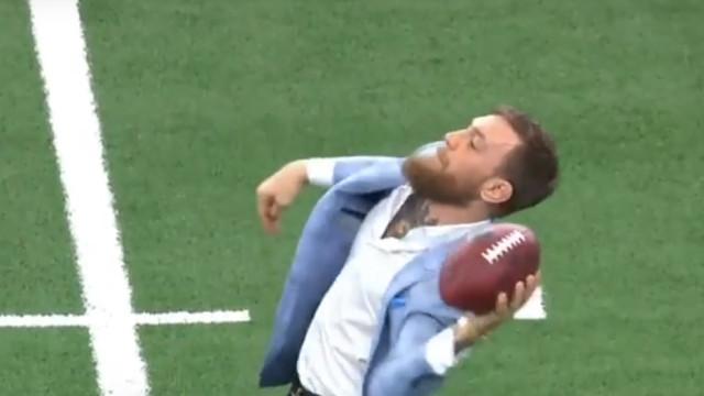 McGregor aventura-se no futebol americano e a risada foi geral