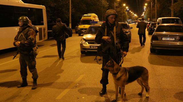 Aluno usou armas de fogo para atacar escola na Crimeia
