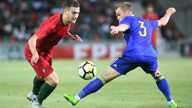 Man. United esclarece a situação de Diogo Dalot