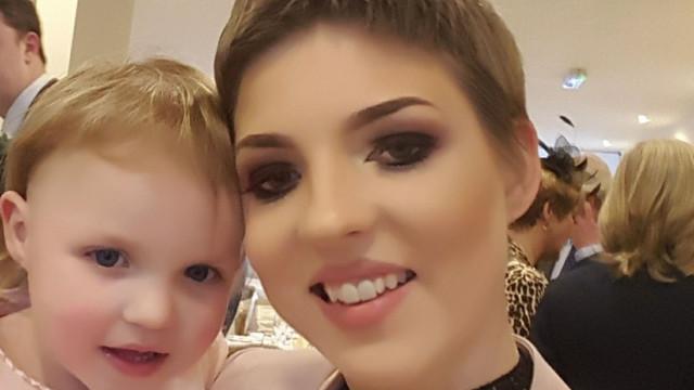 Morreu mulher que renunciou a tratamentos a cancro para dar à luz