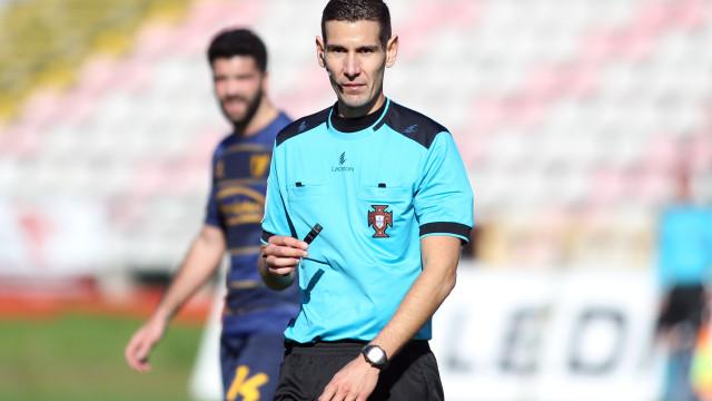 António Nobre apita Vildemoinhos-Sporting. Nuno Almeida no Dragão