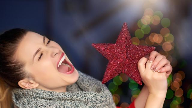É oficial: Ouvir música de Natal faz mal ao cérebro e à saúde mental