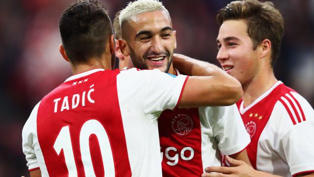 Ajax 'arrasa' Heerenveen antes de receber o Benfica