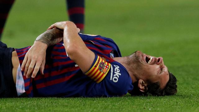 Barcelona vence e é líder, mas lesão de Messi 'assombra' festejos