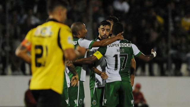 [0-2] Loures-Sporting: Renan evita o golo de Miguel Oliveira