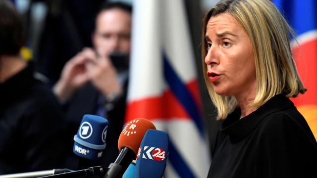 """UE pede """"investigação aprofundada"""" à morte do jornalista"""
