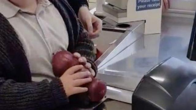 Tem Síndrome de Down e decidiu que queria trabalhar num supermercado