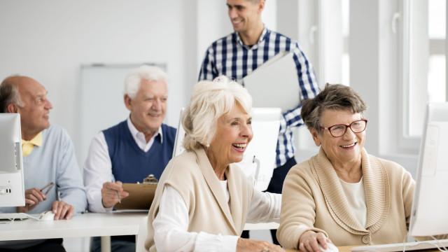 Universidade do Porto quer aumentar competências digitais de idosos