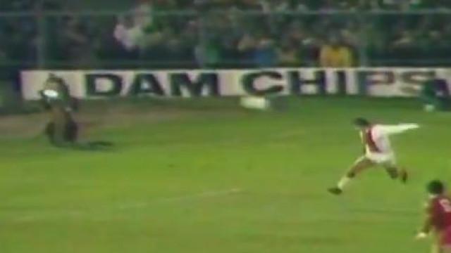 Ajax 'provoca' Benfica e recorda golo de 1972