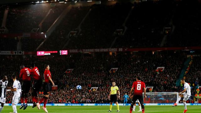 [0-1] United-Juventus: Pogba acerta no poste
