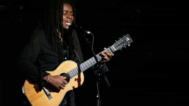 Tracy Chapman processa Nicki Minaj por plágio de 'Baby Can I Hold You'