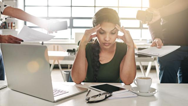 O trabalho deprime e mata. O que fazer para o evitar