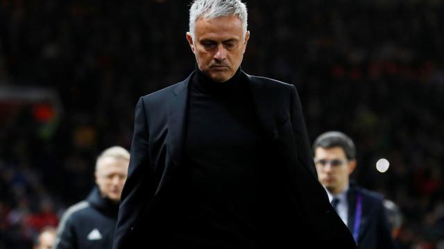 Crouch critica adeptos do Chelsea pela forma como receberam Mourinho